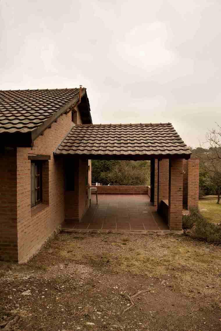 casa-de-campo-en-invierno-vista-acceso-galería